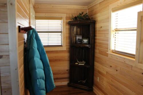 Rivers Edge Cabin 15