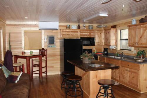 Rivers Edge Cabin 21