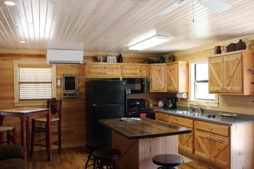 Rivers Edge Cabin 27